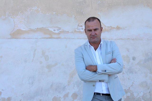 El escritor sevillano Salvador Navarro