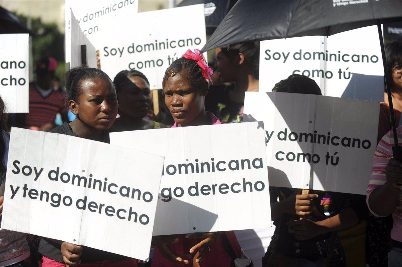 Dominicanos de origen haitiano se manifiestan en Santo Domingo