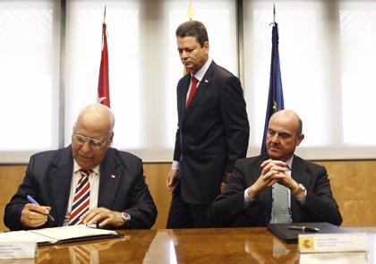 El Gobierno aprueba el acuerdo bilateral con Cuba para reestructurar su deuda