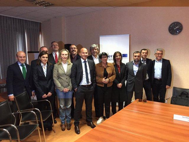 Izaskun Goñi con miembros del comité de programación de POCTEFA