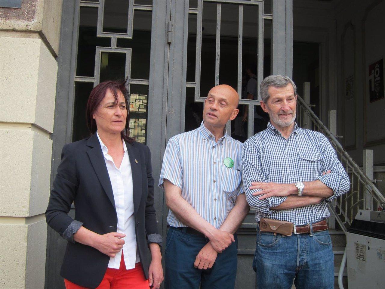Rosalía Martín (IU), Joaquín Arnalte (EQUO) y Julio Rodríguez (Podemos)