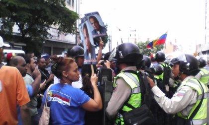 La oposición venezolana comienza las manifestaciones pese al estado de excepción