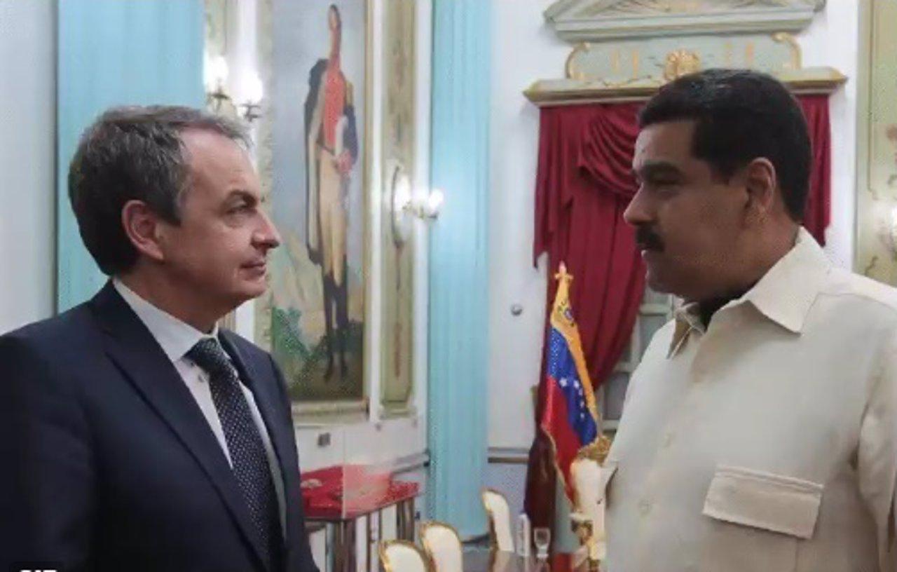 Zapatero se reúne con Maduro en Caracas