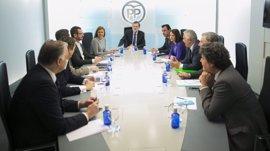 Cospedal y Moragas reúnen este viernes a cargos provinciales del PP para exponerles los ejes de la campaña