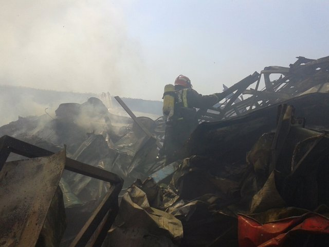 Incendio, bomberos, daños materiales, fuego