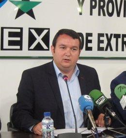 Francisco Buenavista en rueda de prensa sobre el pago del IBI sanitario
