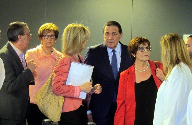 Sáez Aguado a su llegada a la Delegación de la Junta en Salamanca para participa