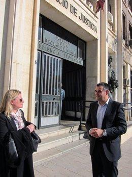 El ex alcalde de Totana, José Martínez Andreo, en las puertas de los juzgados
