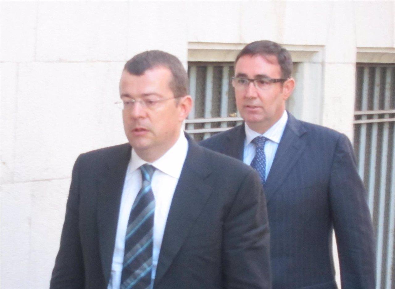 Diego Torres, con su abogado, en Palma