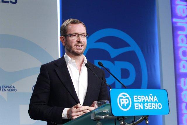 Javier Maroto en la sede del PP