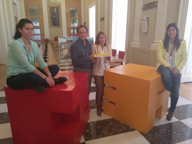 Las ganadoras del proyecto de icono 3D para Cáceres