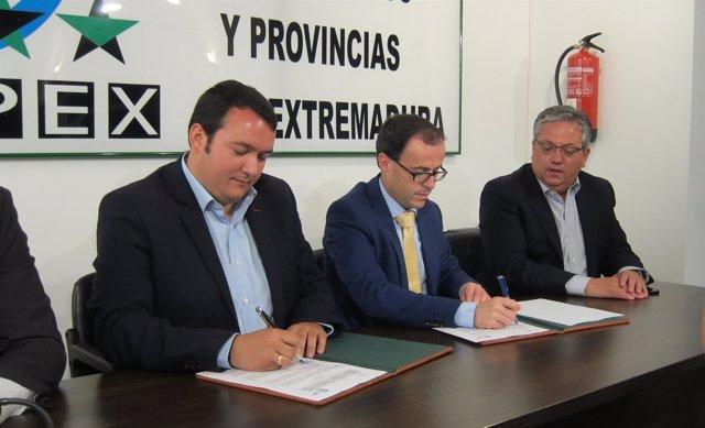 Francisco Buenavista y Miguel Ángel Gallardo firman un convenio