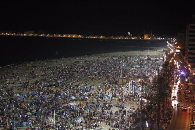 Barbacoas Del Carranza En La Playa En Cádiz