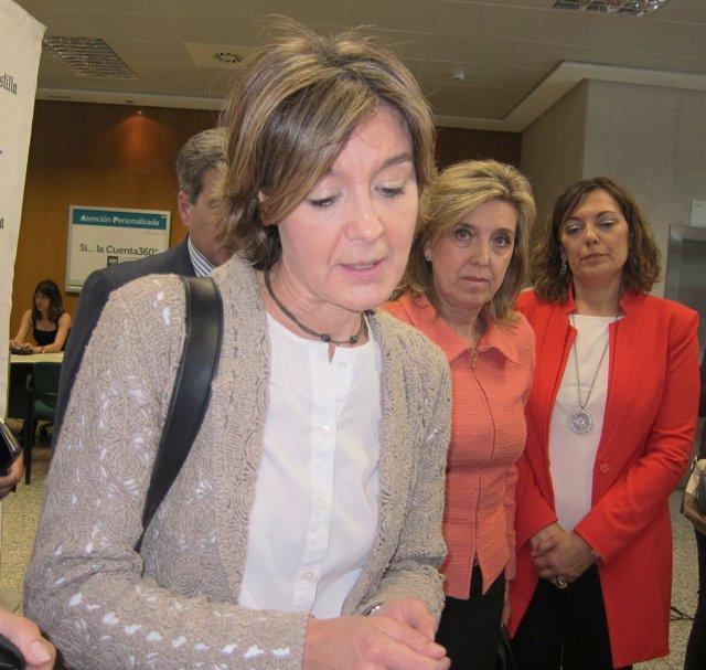 Isabel García Tejerina con María José Salgueiro y Milagros Marcos