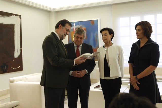 Rajoy se reúne con los padres y la hermana de Leopoldo López