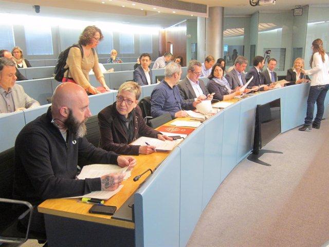Los concejales del Ayuntamiento de Barcelona en la comisión de Presidencia