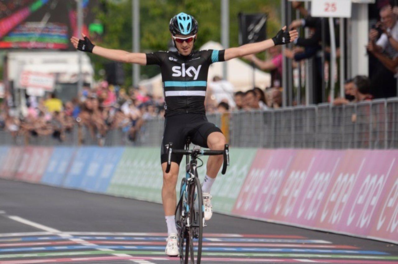 Mikel Nieve gana la decimotercera etapa del Giro