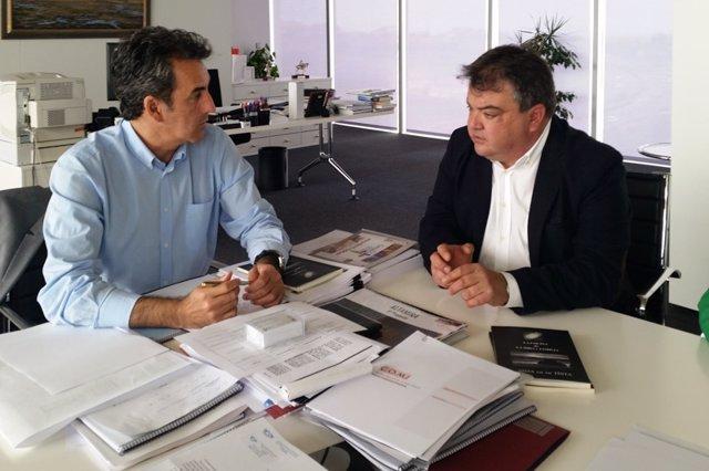Martín se reúne con el alcalde de Noja