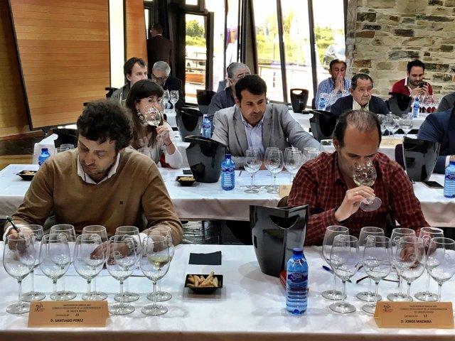 Imagen del comité de cata organizado por el Consejo Regulador de la DO Bierzo.