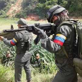 Arrancan unas maniobras de dos días que movilizarán a militares y milicianos 'chavistas'