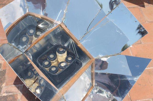 Horno solar del proyecto entre Obra Social La Caixa e Ibanat