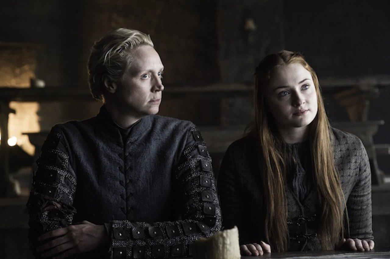 Sansa y Brienne en Juego de tronos