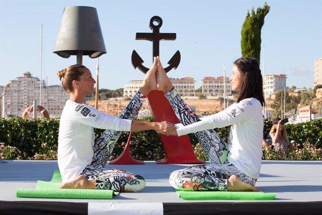 La nadadora Gemma Mengual participa en una masterclass de Yoga