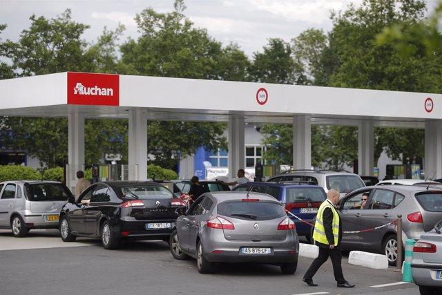 Colas en una gasolinera en Francia por protestas contra la reforma laboral