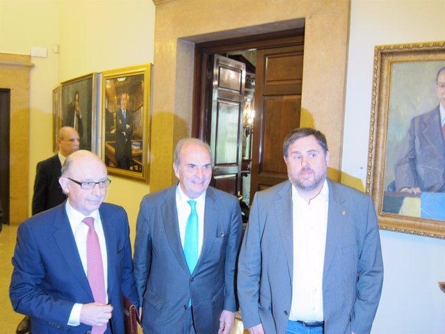 Ministro C.Montoro, J.Gay de Montellà (Fomento del Trabajo) vicepte.O.Junqueras