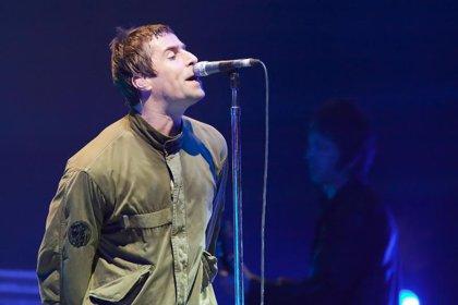Liam Gallagher tuitea 'Fuck Oasis' y una foto de su hermano Noel, al que llama 'patata'