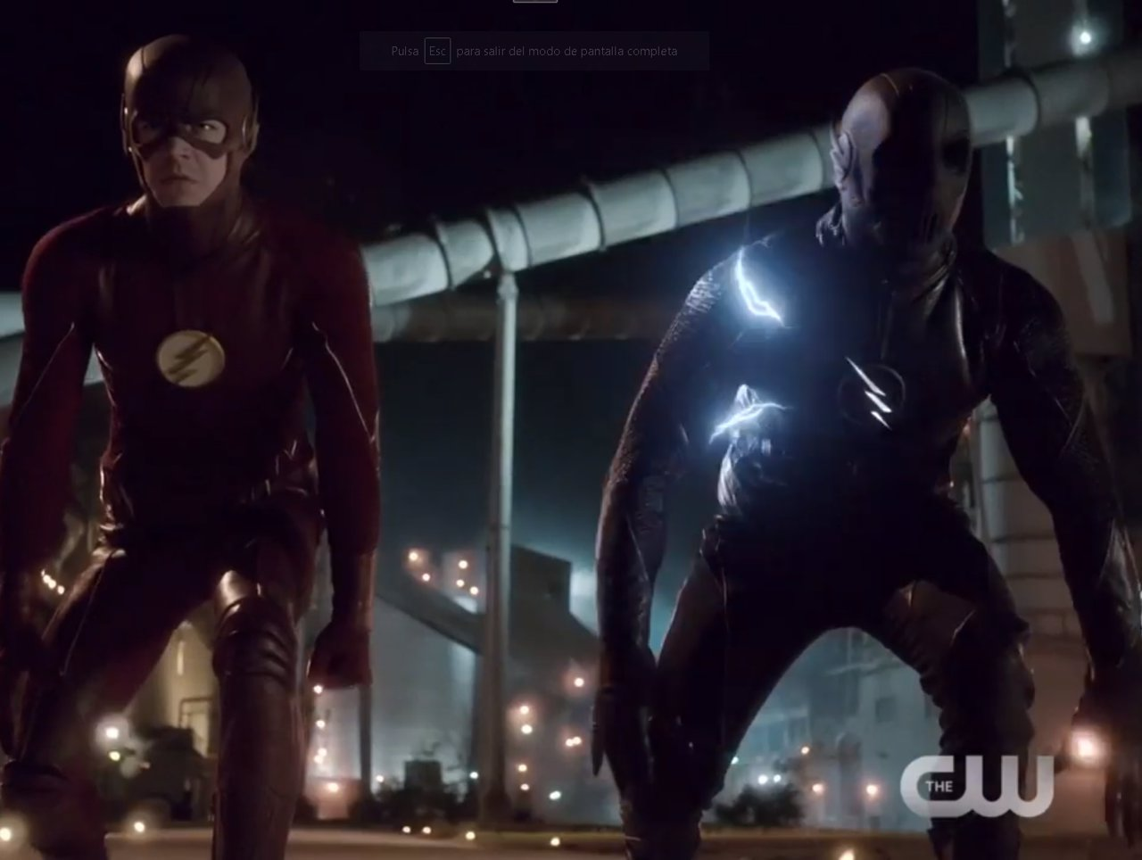 Barry Allen (Grant Gustin) y Zoom (Teddy Sears) en The Flash