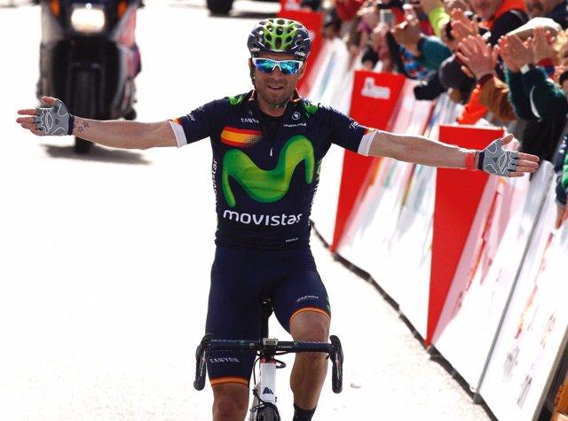 Alejandro Valverde celebrando la victoria de etapa