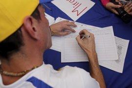La AN venezolana aprueba un acuerdo que exige publicar el cronograma del revocatorio