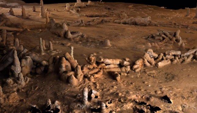 Aspecto de las estructuras de estalagmitas en la cueva