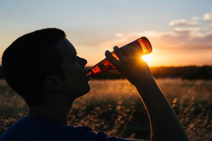 El consumo moderado de cerveza puede contribuir a una correcta hidratación