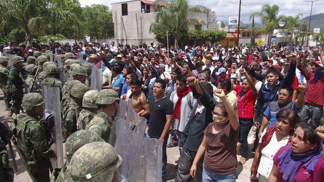 Miembros de México de la CNTE en Chiapas