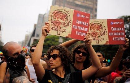 """Víctima de la violación colectiva en Río: """"No me duele el útero, sino el alma"""""""