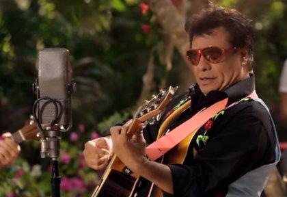 Juan Gabriel versiona a Creedence Clearwater Revival