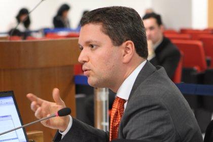 Silveira continúa en el Ministerio de Transparencia a pesar de las protestas en su contra