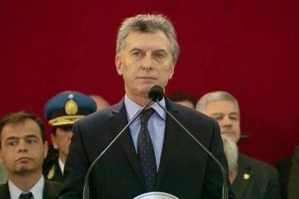 Macri promete aumentos salariales en las Fuerzas Armadas argentinas