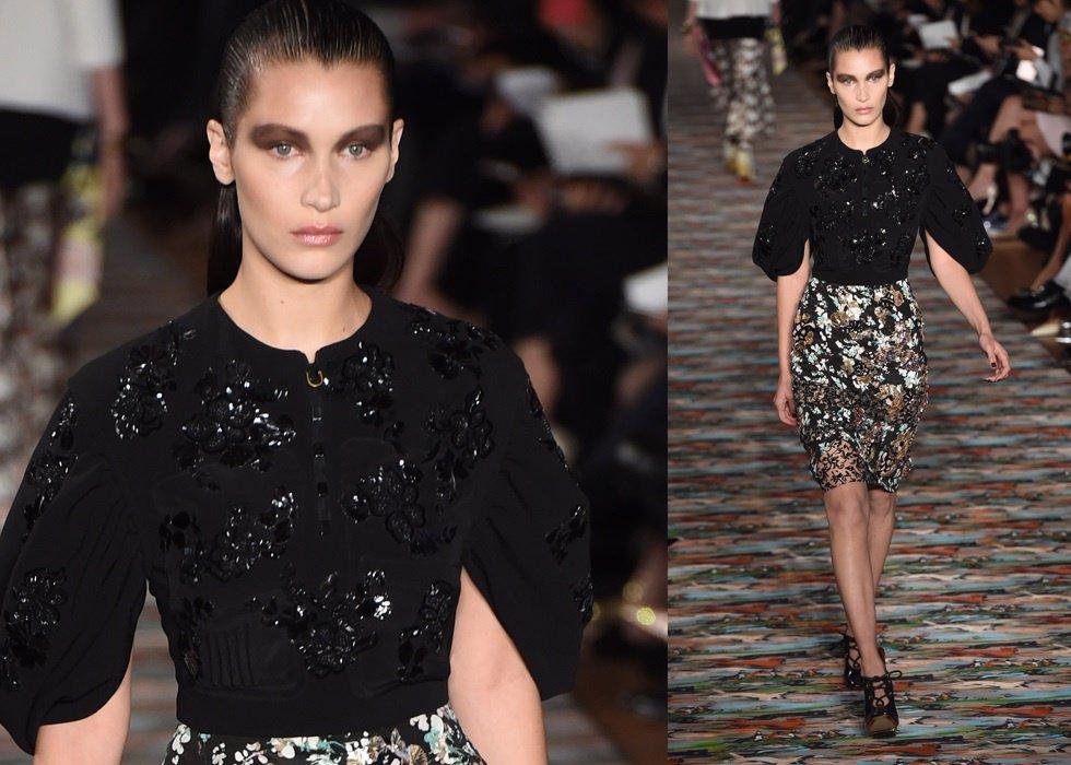 Dior 'revive' a Christian Dior para que no se pierda el debut de Bella Hadid