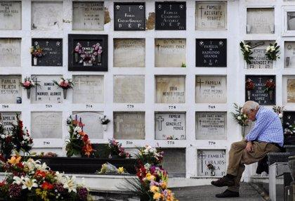 Más de 20 millones de españoles tienen 'el seguro de los muertos'