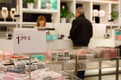 La afluencia a centros comerciales encadena cinco meses en positivo tras crecer en mayo