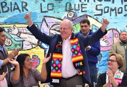 """Kuczynski pide a los peruanos votar """"con conciencia y alegría"""""""
