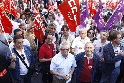 Los sindicatos amenazan con movilizaciones si el próximo Gobierno no aprueba la renta mínima