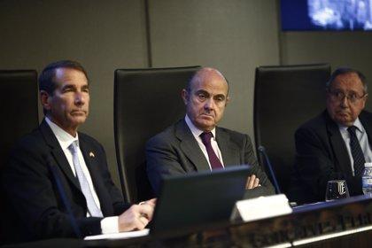 Guindos vende en Londres los logros económicos de España a las agencias de rating
