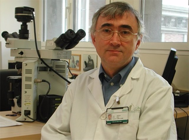 El catedrático ha sido premiado por una investigación sobre el genoma de linfoma
