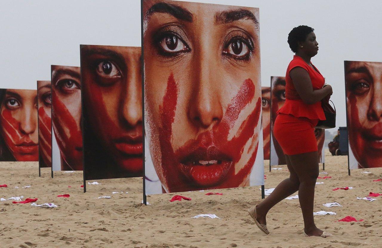 Protesta contra violaciones en Brasil