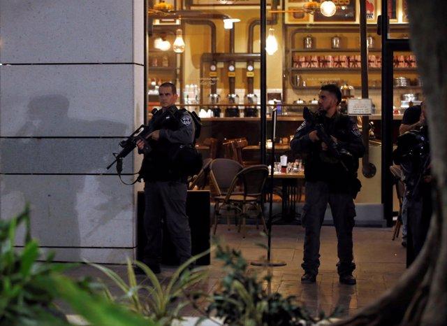 Cuatro muertos por el tiroteo de Tel Aviv