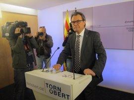 Mas vislumbra elecciones y quiere que Puigdemont sea el candidato